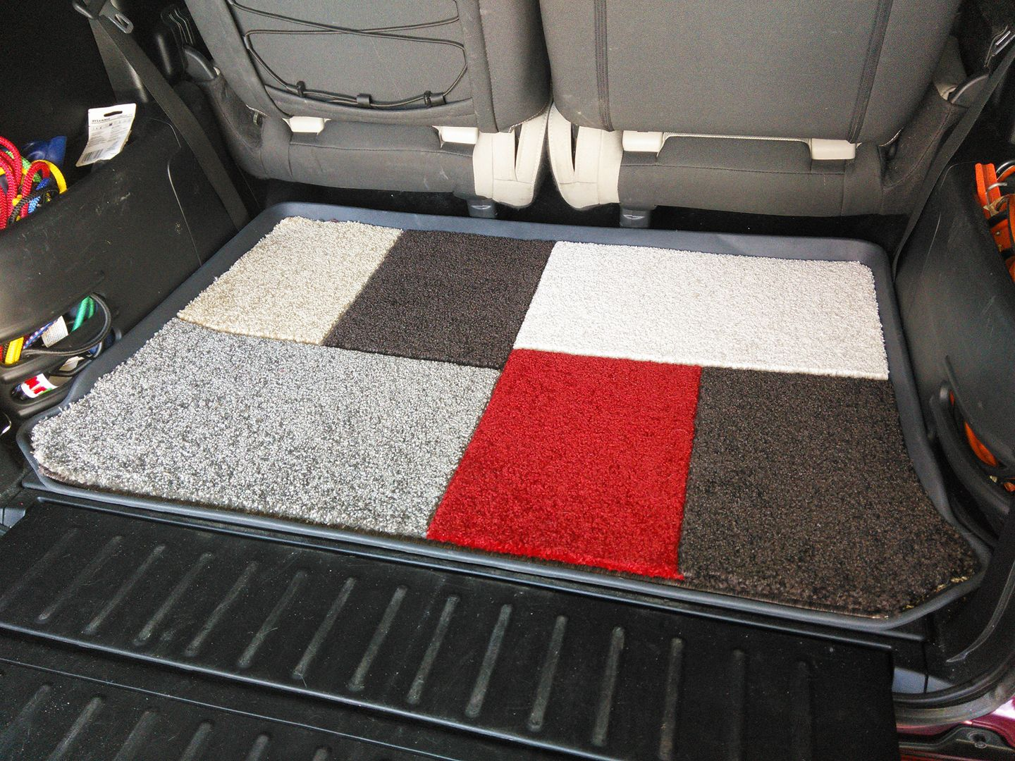 honda element cool mod diy rear interior carpet over rubber cargo mat floor red white grey brown