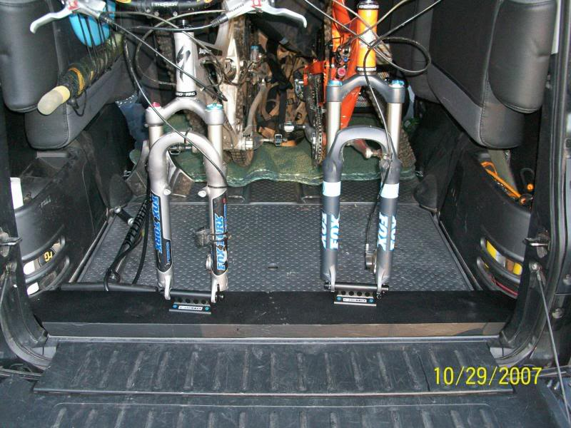 black-honda-element-rear-mountian-bike-bicycle-shamano-quick-release-mount-mounting-system-outdoor-trail-riding-storage-two