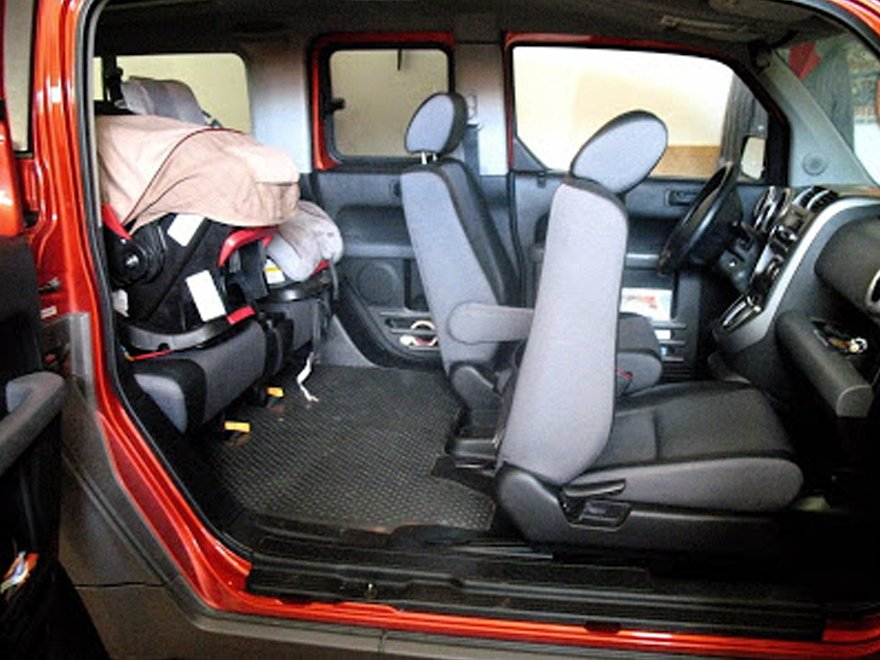 honda-element-interior-configuration-suicide-door-wide-open-for-baby-seat-convienence